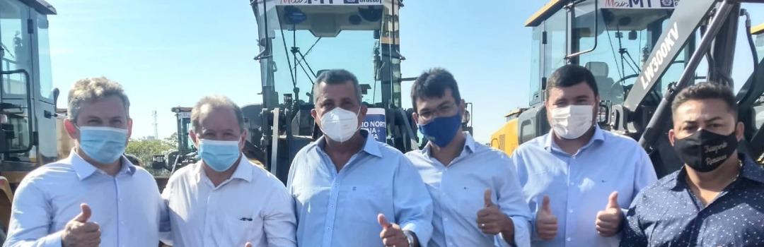 """Consórcio CIDESA """"Norte Araguaia"""", do qual Santa Terezinha faz parte, recebe 5 novos maquinários do Governo do Estado!"""