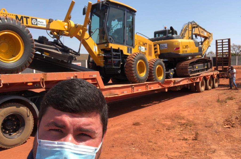 """Santa Terezinha recebe do Governo Estadual e do CIDESA """"Norte Araguaia"""" máquinas para a execução de obras no município!"""